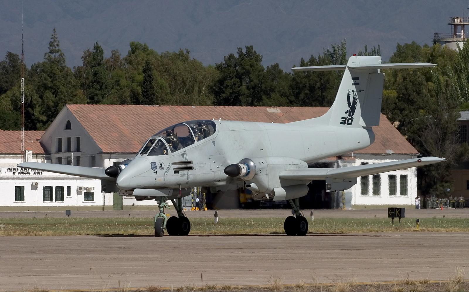 Archivo:Argentina Air Force FMA IA 58A Pucara Lofting 1.jpg